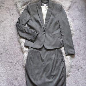 H&M women suits size 6